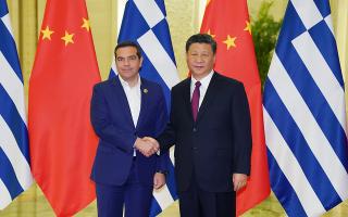 Ο Ελληνας πρωθυπουργός με τον πρόεδρο της Κίνας, Σι Τζινπίνγκ