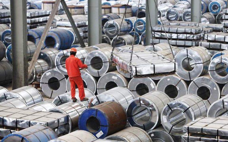 ΗΠΑ: Υψηλότεροι τελωνειακοί δασμοί σε όλα τα εναπομείναντα προϊόντα από την Κίνα