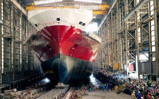 Η παραγωγή πετρελαιοφόρων και πλοίων μεταφοράς εμπορευματοκιβωτίων έχει μεταφερθεί σε Νότια Κορέα, Κίνα και Ιαπωνία και τα ευρωπαϊκά ναυπηγεία αναγκαστικά περιορίζονται σε πολυτελείς θαλαμηγούς, κρουαζιερόπλοια, θαλάσσιες πλατφόρμες και σκάφη ωκεανογραφίας.