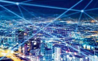 Η έλευση της κινητής τηλεφωνίας 5ης γενιάς θα αλλάξει, εκτός από τη ζωή των ανθρώπων, και τις επιχειρήσεις. Νέα επαγγέλματα θα δημιουργηθούν, ενώ άλλα θα εξαφανισθούν. Οι τηλεπικοινωνιακοί πάροχοι θα είναι οι πρώτοι που θα μετασχηματιστούν, σταματώντας το μοντέλο παροχής τηλεπικοινωνιακής πρόσβασης.