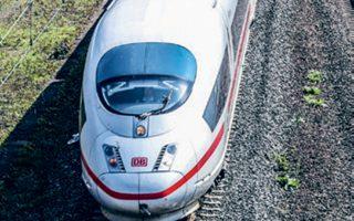 Οι Γερμανοί έχουν παραμελήσει τη συντήρηση και την αναβάθμιση των δικτύων μεταφοράς προς όφελος ενός ισοσκελισμένου προϋπολογισμού.
