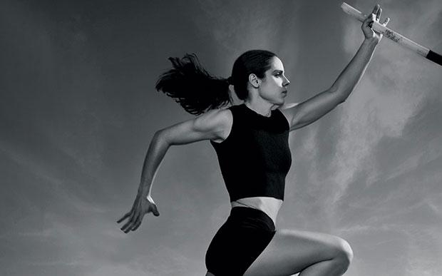 Η Χρυσή Ολυμπιονίκης Κατερίνα Στεφανίδη στην Vogue με την «Κ» της Κυριακής