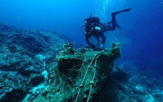 Τα τελευταία χρόνια πληθαίνουν οι εθελοντικές ομάδες δυτών που πραγματοποιούν υποβρύχιους καθαρισμούς.