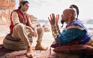 Ο Μένα Μασούντ (Αλαντίν) και ο Γουίλ Σμιθ (Τζίνι) πρωταγωνιστούν σε ένα πολύχρωμο, γεμάτο τραγούδι και χορό, φιλμ.