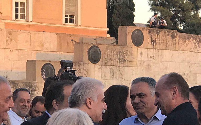 Οι αρχηγοί ΕΛ.ΑΣ. και Λιμενικού στην προεκλογική συγκέντρωση του ΣΥΡΙΖΑ (φωτογραφία)