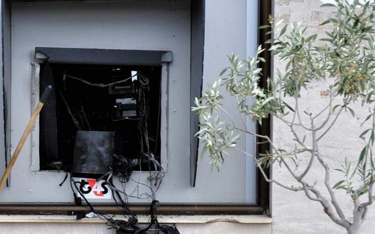 Φθορές σε υποκατάστημα τράπεζας προκάλεσαν άγνωστοι στη Θεσσαλονίκη