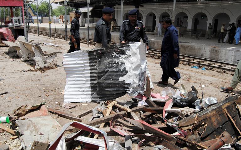 Πακιστάν: Ισχυρή έκρηξη σε χώρο λατρείας στη Λαχόρη – Τουλάχιστον οκτώ νεκροί