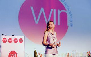 Το 2010, η ΚρίστινΕντβιγκ τιμήθηκε με το ετήσιο βραβείο της Διεθνούς Συμμαχίας Γυναικών για το έργο της με τον Οργανισμό WIN.
