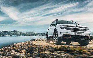 Το αυτόματο αυτοκίνητο δοκιμής είχε το κορυφαίο εξοπλιστικό πακέτο, Shine, το οποίο ανέρχεται σε 35.000 ευρώ.