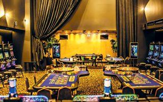 Οσον αφορά με τους συμμετέχοντες, σύμφωνα με πληροφορίες, ιδιαίτερα «ζεστές» στη διαδικασία διεκδίκησης της άδειας του καζίνο είναι οι αμερικανικές Μohegan Gaming & Entertainment (MGE) και Hard Rock και η μαλαισιανή Genting.