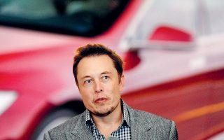 Το βασικό πρόβλημα του ιδρυτή και επικεφαλής της Tesla, Ελον Μασκ, είναι ότι έχει ανοίξει υπερβολικά πολλά μέτωπα: από την προσπάθεια να καταστήσει το Model 3 το πρώτο πραγματικά μαζικής παραγωγής ηλεκτρικό αυτοκίνητο μέχρι τη δημιουργία στόλου με ένα εκατομμύριο ρομποτικά ταξί έως το τέλος του 2020.