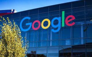 i-google-mplokarei-tis-mellontikes-anavathmiseis-toy-android-stis-syskeyes-tis-kinezikis-huawei0