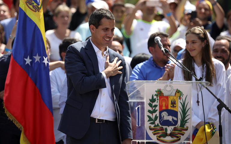 Βενεζουέλα: Εκπρόσωποι του Γκουαϊδό και του Μαδούρο θα συναντηθούν στο Οσλο την ερχόμενη εβδομάδα