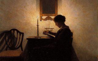 Γυναίκα διαβάζει υπό το φως κεριού. Λεπτομέρεια. Πίνακας του Δανού ζωγράφου Πέτερ Ιλσταντ (1861-1933).