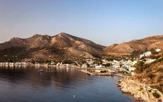 Οι περισσότεροι κάτοικοι της Τήλου ζουν στο λιμάνι της, τα Λιβάδια. (Φωτογραφία: ΝΙΚΟΛΑΣ ΛΕΒΕΝΤΑΚΗΣ)