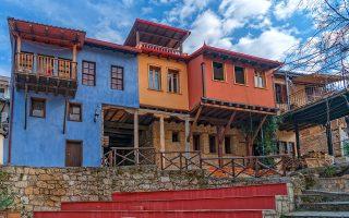 Η συνοικία της Μπαρμπούτας με τα αναστηλωμένα αρχοντικά. (Φωτογραφία: ΠΕΡΙΚΛΗΣ ΜΕΡΑΚΟΣ)