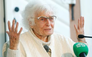 Lisel Heise, a 100-year-old former teacher and newly elected council member of Kirchheimbolanden attends a news conference in Kirchheimbolanden, Germany, May 27, 2019.   REUTERS/Ralph Orlowski