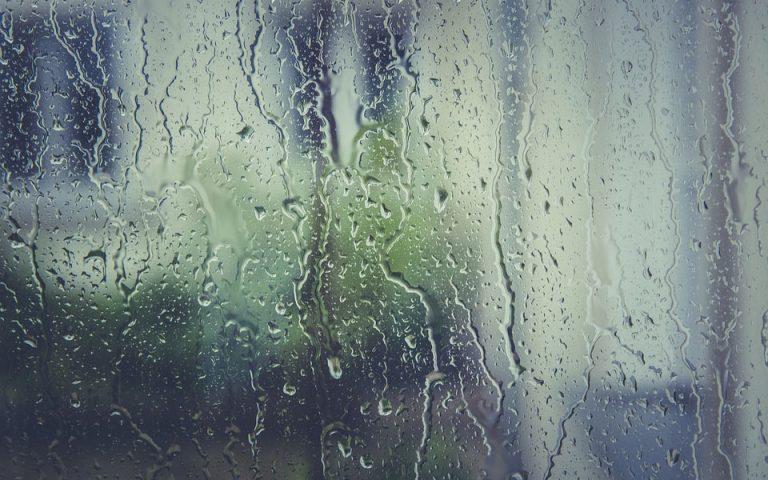 Βροχές και καταιγίδες έως την Παρασκευή