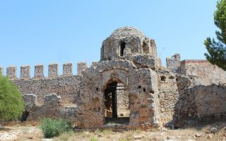 ston-archaiologiko-nomo-ta-mnimeia-poy-chronologoyntai-meta-to-1453-2315924