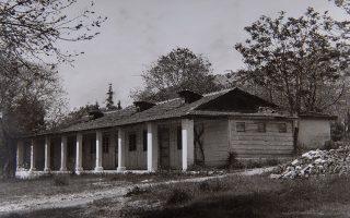 Ενας από τους δέκα οικίσκους που είχαν χτιστεί στα μέσα της δεκαετίας του 1920 στο σανατόριο του Ασβεστοχωρίου.