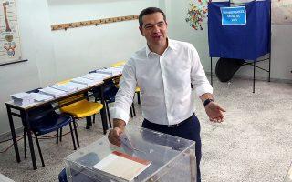 Ο πρωθυπουργός Αλέξης Τσίπρας ασκεί το εκλογικό δικαίωμα του για τις Δημοτικές, Περιφερειακές και Ευρωπαϊκές Εκλογές,  Αθήνα Κυριακή 26  Μαΐου 2019. Οι Ελληνες πολίτες ψηφίζουν για την εκλογή των αντιπροσώπων τους στο Ευρωπαϊκό Κοινοβούλιο και στην Τοπική Αυτοδιοίκηση. ΑΠΕ-ΜΠΕ/ΑΠΕ-ΜΠΕ/ΟΡΕΣΤΗΣ ΠΑΝΑΓΙΩΤΟΥ