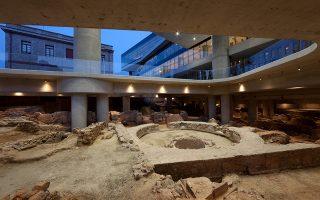 Τμήμα της αρχαίας γειτονιάς που διασώζεται στο υπόγειο. Είναι το πιο ήσυχο και δροσερό σημείο. Η θερμοκρασία εδώ είναι χαμηλότερη από 2 έως 3 βαθμούς σε σχέση με τους άλλους ορόφους του κτιρίου.