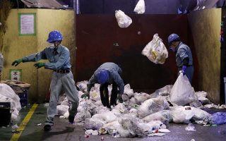 H Ιαπωνία είναι δεύτερη παγκοσμίως στην κατά κεφαλήν κατανάλωση πλαστικών μετά τις ΗΠΑ.