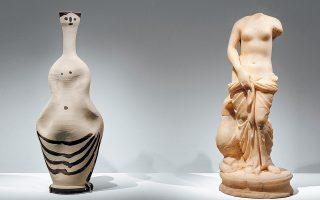 Κεραμικά και σχέδια του Πικάσο, τα οποία συνομιλούν με αρχαία έργα με τρόπο πραγματικά εντυπωσιακό, παρουσιάζει η έκθεση του Μουσείου Κυκλαδικής Τέχνης. Για πρώτη φορά 68 σπάνια έργα του σπουδαίου Ισπανού ζωγράφου συναντιούνται με 67 αρχαιότητες.
