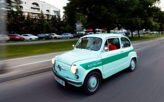 Eνα Zastava 750 του οποίου η μηχανή έχει αντικατασταθεί με ηλεκτρική.