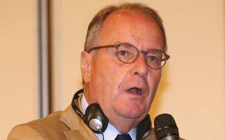 Αίσθηση προκάλεσε η ομιλία του προέδρου της Επιτροπής Παρακολούθησης, Χέμπερτ Χούμπελ, στη χθεσινή Γ.Σ. της ΕΠΟ. INTIMENEWS