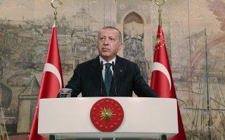 Ο Ταγίπ Ερντογάν στη διάρκεια της χθεσινής συνέντευξης που παραχώρησε σε ανταποκριτές του ξένου Τύπου, στην Κωνσταντινούπολη.
