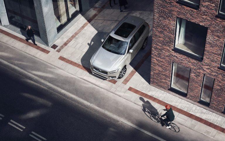 Volvo και POC: Aναπτύσσουν το 1ο crash test για κράνη ποδηλάτου