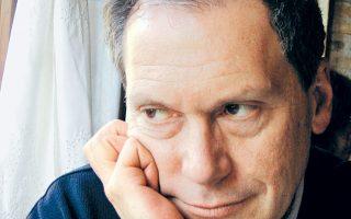 «Το πιο ασυγχώρητο αμάρτημα στην Ελλάδα είναι να λες φανερά αυτό που σκέφτονται όλοι κρυφά», σημειώνει ο Δημοσθένης Κούρτοβικ.