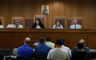 Το δικαστήριο άκουσε τον Γ. Δήμου να λέει πως «θα του έκαναν τον βίο αβίωτο» αν έλεγε όσα γνώριζε.