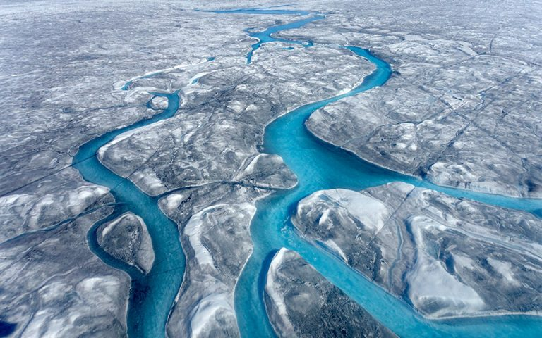 Στη μακρινή Γροιλανδία ο Joseph Cook (Βραβείο Rolex 2016) μελέτησε πώς οι μικροοργανισμοί επιδρούν στο κλίμα του πλανήτη.©Joseph Cook