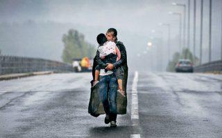 Μία από τις πρόσφατες και γνωστές φωτογραφίες του βραβευμένου φωτορεπόρτερ Γιάννη Μπεχράκη.