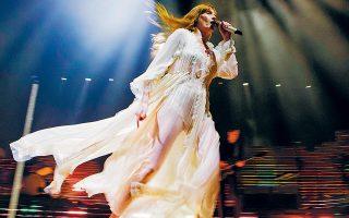 Δέκα χρόνια μετά την πρώτη τους εμφάνιση στην Ελλάδα, οι Florence and the Machine έρχονται στο Ηρώδειο.