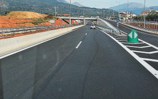 Η ολοκλήρωση του αυτοκινητοδρόμου Ακτίου - Αμβρακίας, που «σαλαμοποιήθηκε» στο παρελθόν και παραδόθηκε ημιτελής, εντάχθηκε ως έργο phasing στο νέο ΕΣΠΑ, με προϋπολογισμό 150 εκατ. ευρώ.