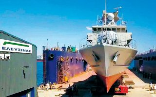Η ONEX, η οποία εξαγόρασε πέρυσι τα ναυπηγεία της «Νεώριον» στη Σύρο, προτίθεται να ρυθμίσει σε δόσεις τις υποχρεώσεις των Ναυπηγείων Ελευσίνας προς εργαζομένους, προμηθευτές, τράπεζες και Δημόσιο.