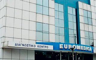 Οι πιστώτριες τράπεζες, και κυρίως η Farallon Capital που κατέχει δάνεια ύψους 200 εκατ. της Euromedica, θέλουν να ορίσουν νέα διοίκηση καθώς η σημερινή πρόσκειται στην πλευρά του κ. Θωμά Λιακουνάκου.