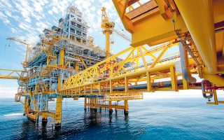 O Σαουδάραβας υπουργός Πετρελαίου υποστήριξε ότι «δεν υφίσταται θέμα αν θα παρατείνουμε τη συμφωνία ή όχι, καθώς η παράταση είναι ήδη στις αποσκευές του ΟΠΕΚ».