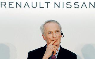 Ενόψει της γενικής συνέλευσης μετόχων της Nissan, στις 25 Ιουνίου, ο διευθύνων σύμβουλος της Renault, Ζαν-Ντομινίκ Σενάρ (φωτ.), διεμήνυσε στην ιαπωνική εταιρεία ότι δεν θα υπερψηφίσει τις προτάσεις αναδιοργάνωσης της εταιρικής διακυβέρνησής της για τη σύσταση τριών επιτροπών.