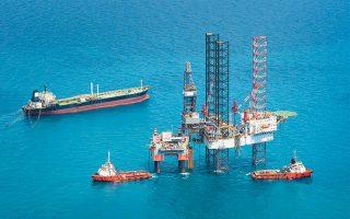 Η συμφωνία που υπέγραψε ο πρωθυπουργός μεταξύ της Ελληνικής Δημοκρατίας και της κοινοπραξίας ΕΛΠΕ, ExxonMobil και TOTAL για την αξιοποίηση των ενεργειακών πόρων δυτικά και νότια της Κρήτης σηματοδοτεί την αξιοποίηση από την πατρίδα μας και της δικής της ΑOZ.