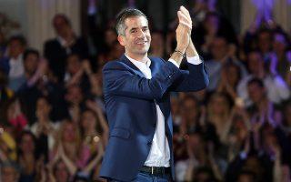 Ο υποψήφιος Δήμαρχος Αθηναίων, Κώστας Μπακογιάννης, μιλάει στην κεντρική προεκλογική εκδήλωση του συνδυασμού του «ΑΘΗΝΑ ΨΗΛΑ», στην Πλατεία Κολοκοτρώνη, στην Αθήνα, την Δευτέρα 20 Μαΐου 2019. ΑΠΕ-ΜΠΕ/ΑΠΕ-ΜΠΕ/ΟΡΕΣΤΗΣ ΠΑΝΑΓΙΩΤΟΥ