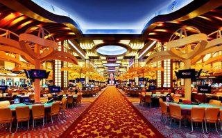 Τρεις είναι οι ενδιαφερόμενοι όμιλοι για το καζίνο: η Mohegan Gaming Entertainment (MGE), η Hard Rock Cafe και η Genting.