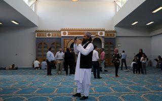 Την Παρασκευή έγινε η επίσημη παρουσίαση του τεμένους στη μουσουλμανική κοινότητα. REUTERS/Costas Baltas