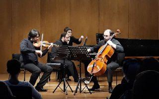 Ο Ανδρέας Παπανικολάου, ο Aγγελος Λιακάκης και ο Τίτος Γουβέλης έπαιξαν Τρίο του Σούμαν και του Ραβέλ. PUBLICITY