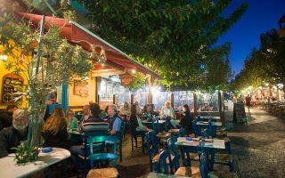 Το μπαρ «Άγιος» στην Παλαιόχωρα. (Φωτογραφία: ΚΛΑΙΡΗ ΜΟΥΣΤΑΦΕΛΛΟΥ)