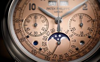 PATEK PHILIPPE Perpetual-Calendar-Chronograph-5270P - Κυκλοφόρησε το 2018 και εγκαινίασε αυτή τη νέα τάση στην ωρολογοποιία.