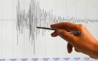 indonisia-ischyri-seismiki-donisi-7-5-vathmon-sta-nisia-tanimpar0